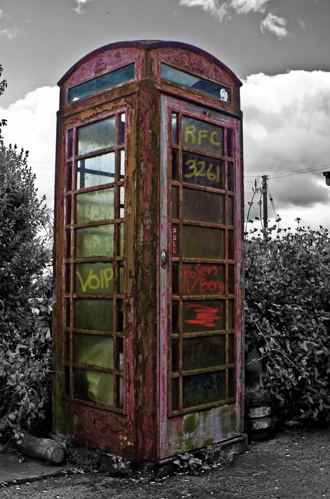 RZFeeser_old_telephone_booth